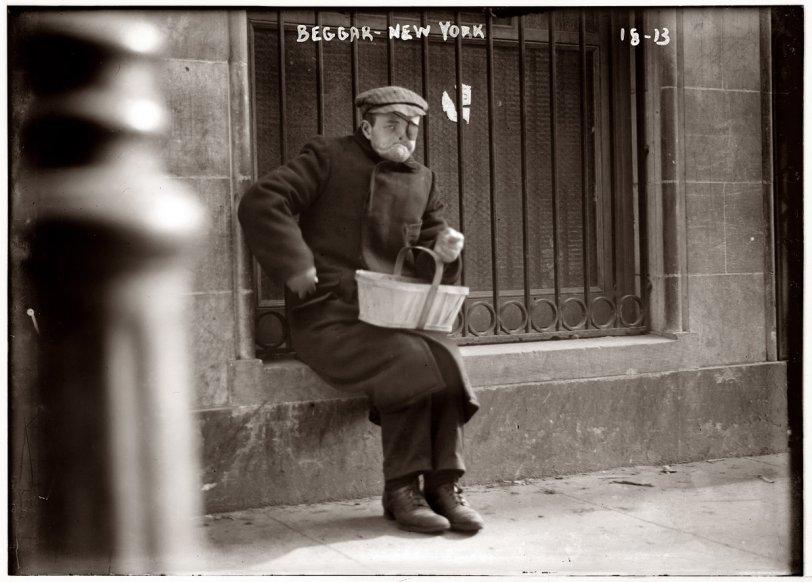 Faceless Beggar: 1918