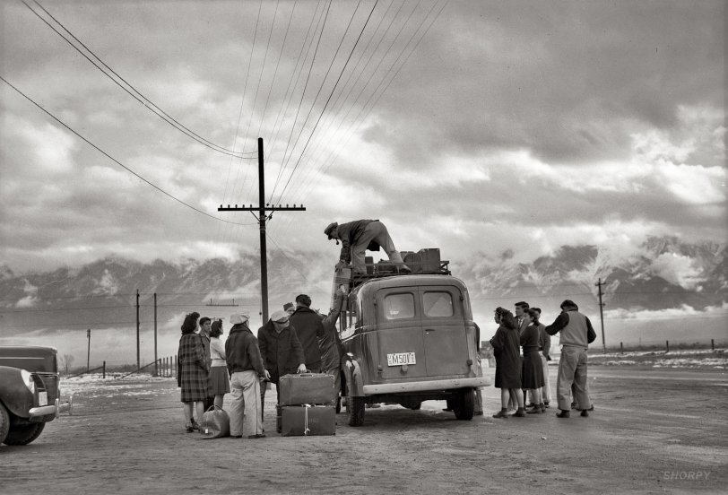 Leaving Manzanar: 1943