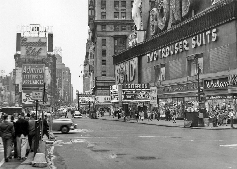 3-D on Times Square: 1953