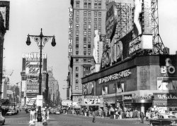 Times Square: 1953