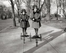 Rita and Ruth: 1920