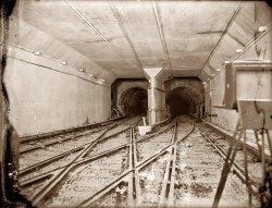 Hudson  & Manhattan Tubes: 1908