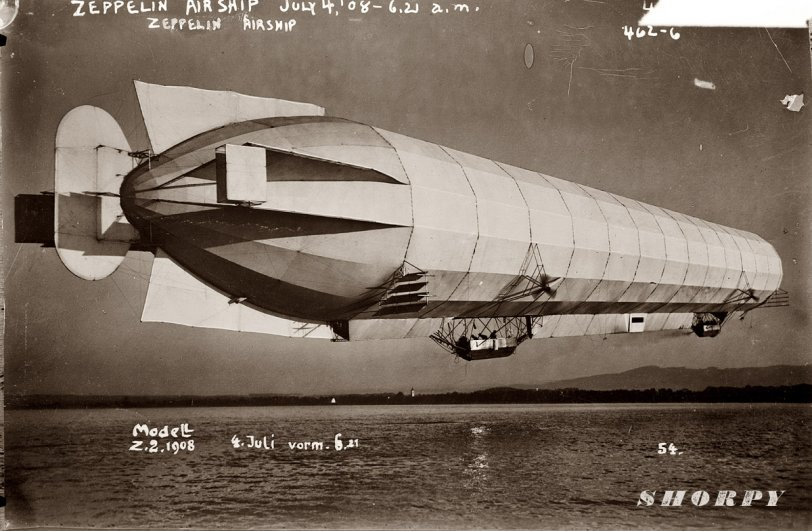 Zeppelin in Flight: 1908