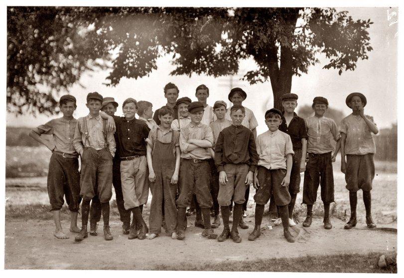 Knitting Mill Boys: 1911