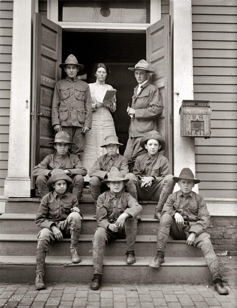 Den Mother: 1913