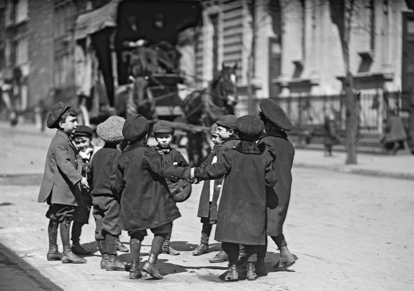 Street Games: 1909