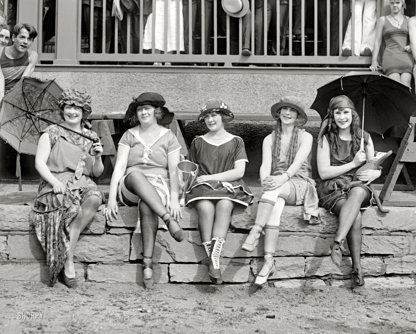 Bathing Costume Contest: 1921