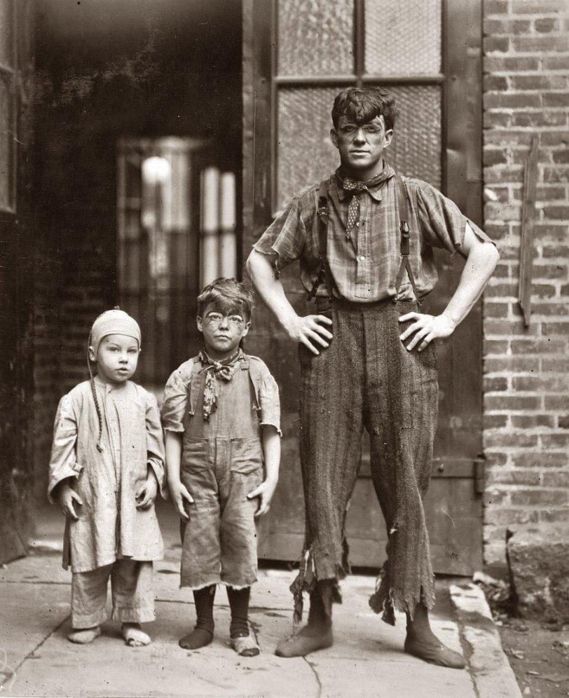 3/4 Novelty Grahams: 1910