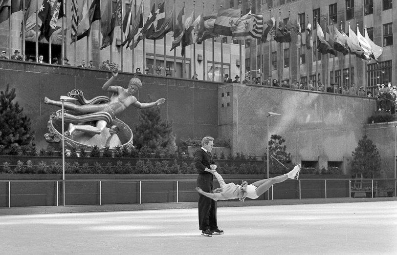 Rockefeller Center: 1954