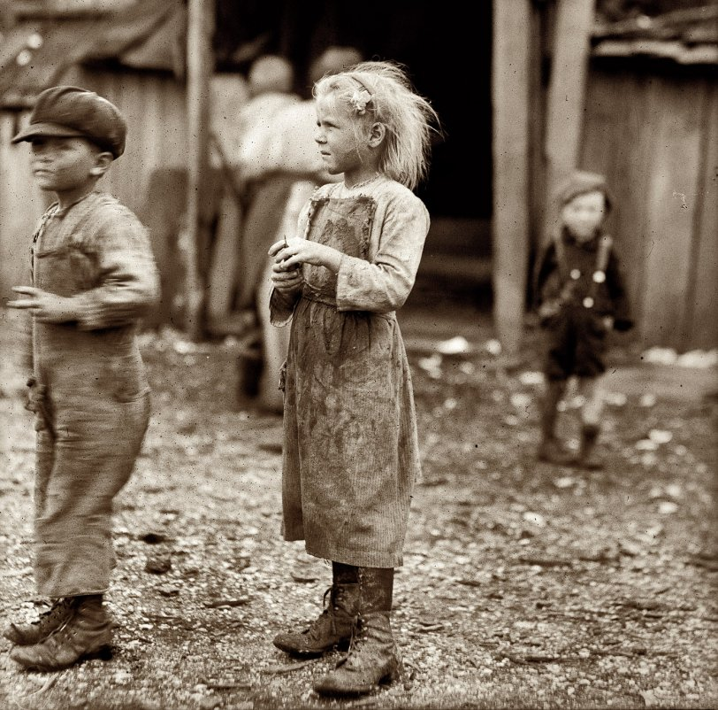 Oyster Shuckers: 1912