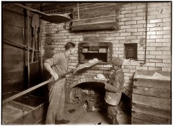 Bread Brothers: 1917