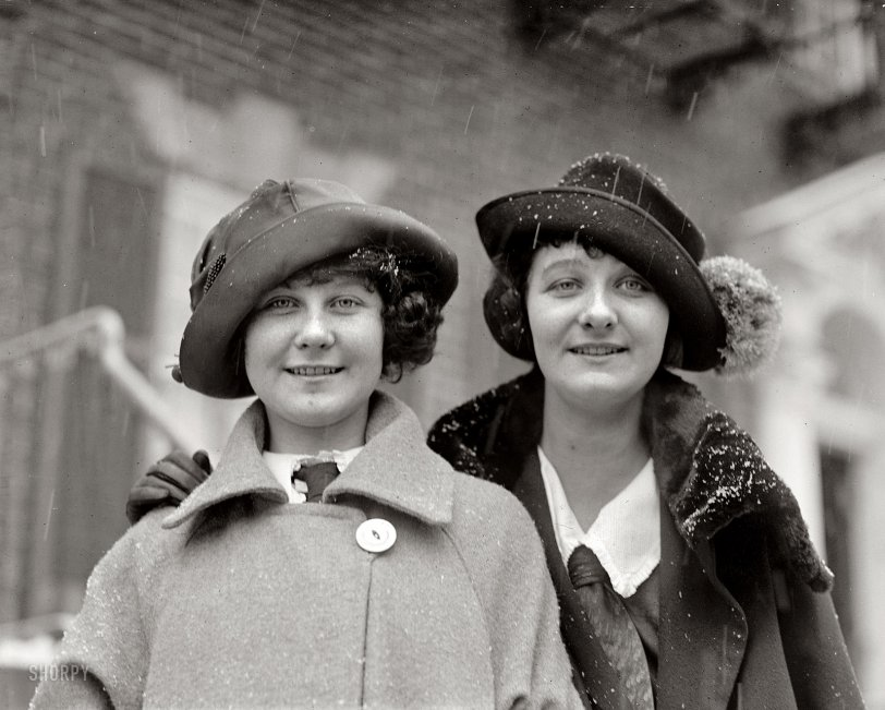 Laura and Inga: 1922
