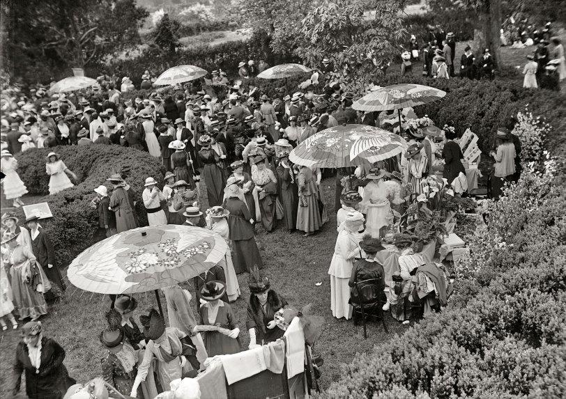 May Day: 1915