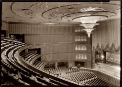 Roxy Theatre: 1932