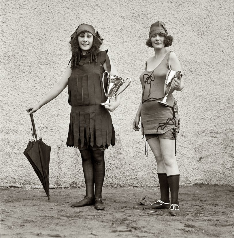 Iola and Anna: 1922