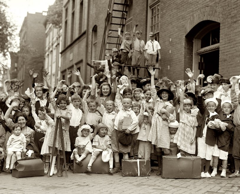 Happy, Smiling Faces: 1922