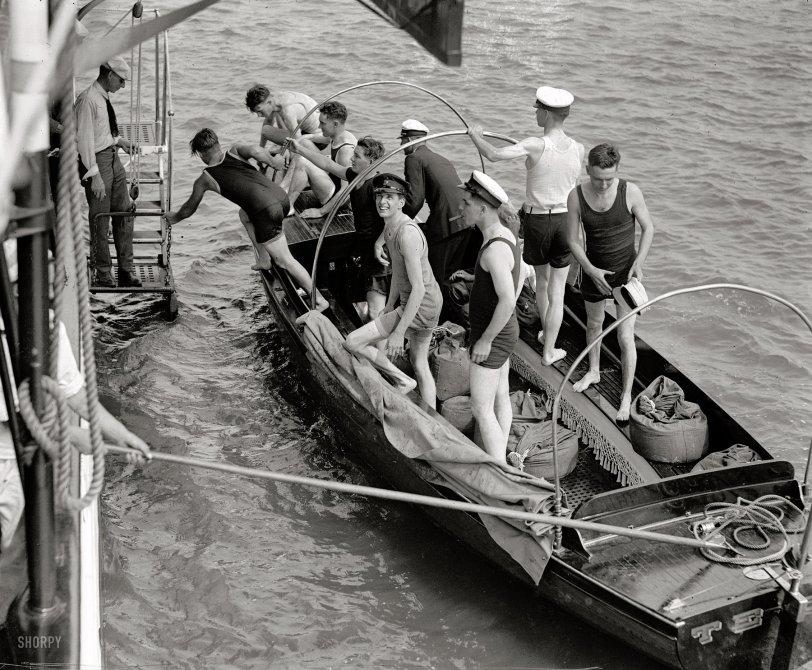 Shutterbugs Ahoy: 1922