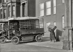 Baggage Express: 1917