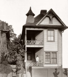 Bay Windows: 1899