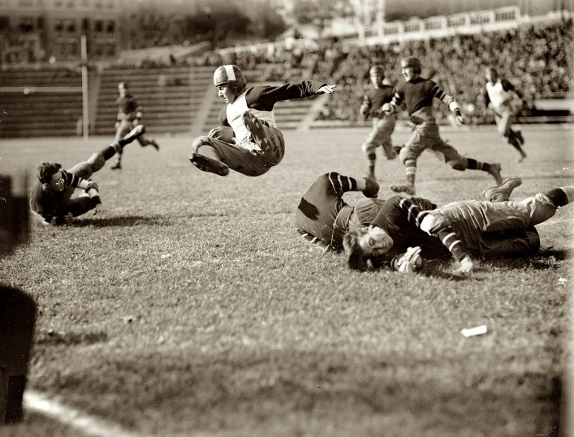 Leatherheads: 1923