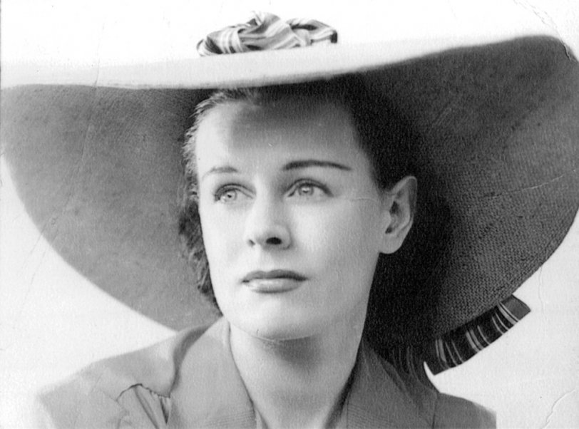 Lady in Hat: 1937