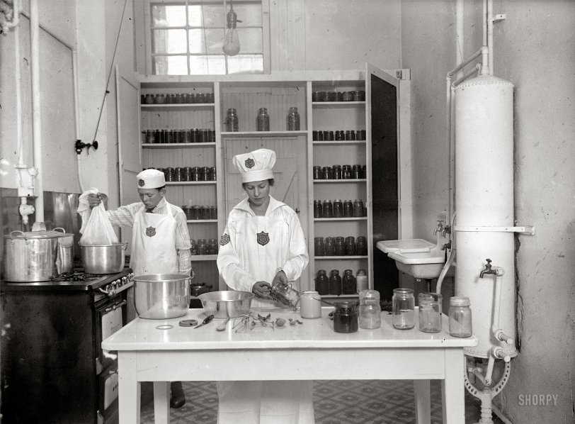 The Joy of Canning: 1917
