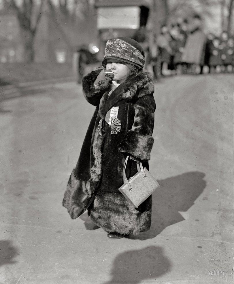 Midgets for Coolidge: 1924