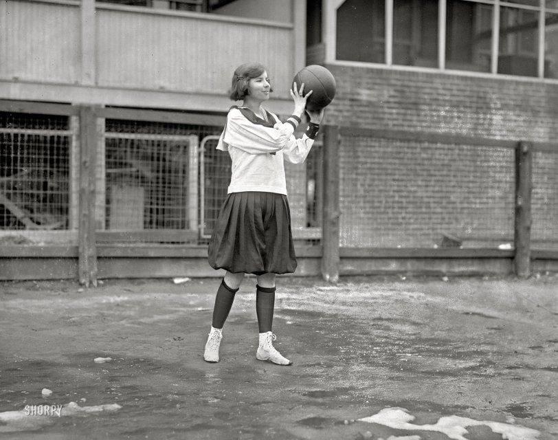 Helen of Hoops: 1924