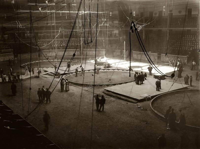Dark Circus: 1913