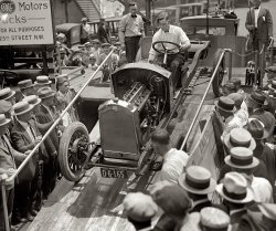 Naked Buick: 1924