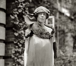 Fashion Victims: 1924
