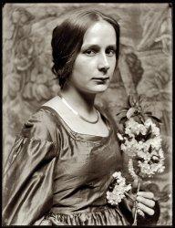Mona Cornelia: 1896