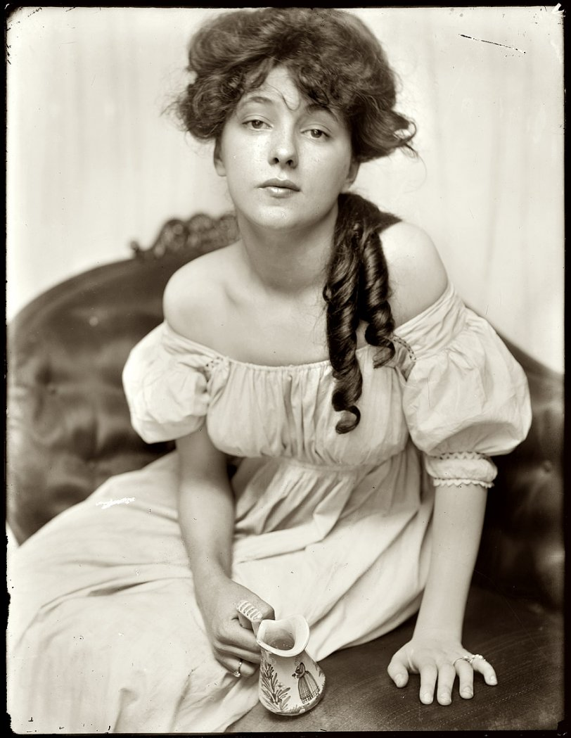 Evelyn Nesbit: 1901