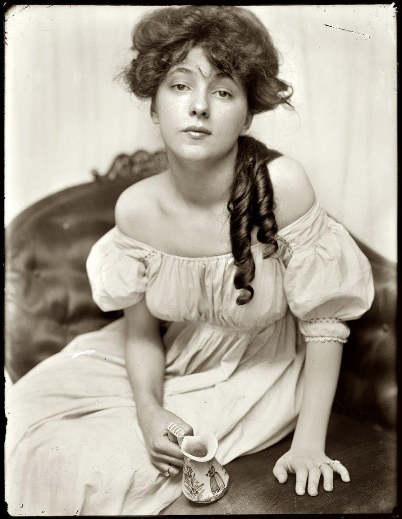 Evelyn Nesbit: 1901