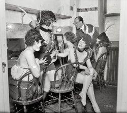 Earl Carroll's Vanities: 1925