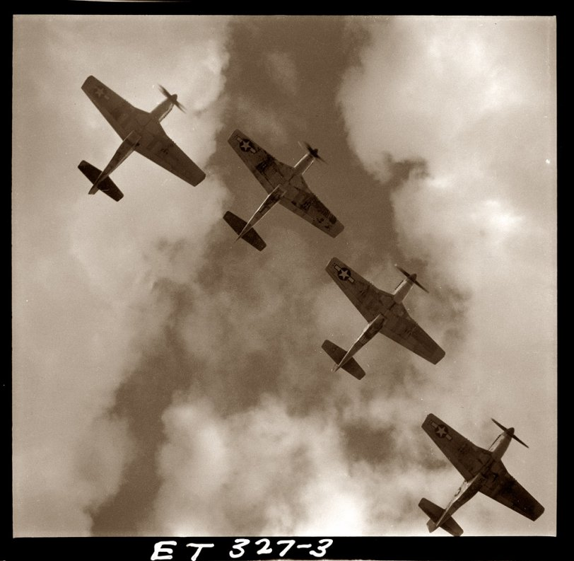Mustangs: 1945