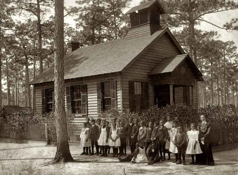 The Little Sepia Schoolhouse: 1905