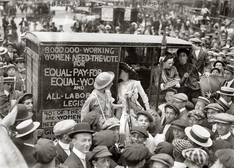 Tambourine Woman: 1913