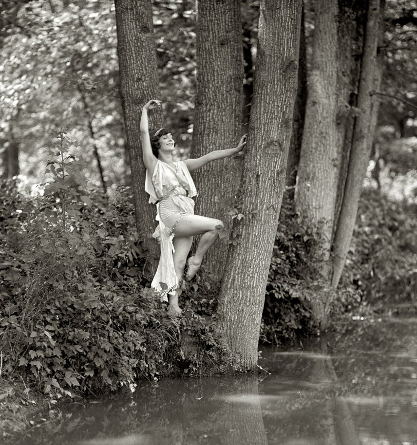 Water Nymphet: 1925