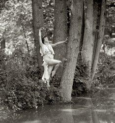 Water Nymphet: 1925