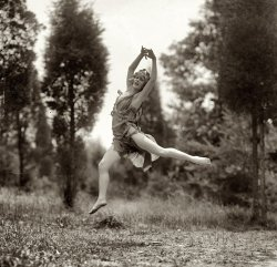 Gonna Fly Now: 1925