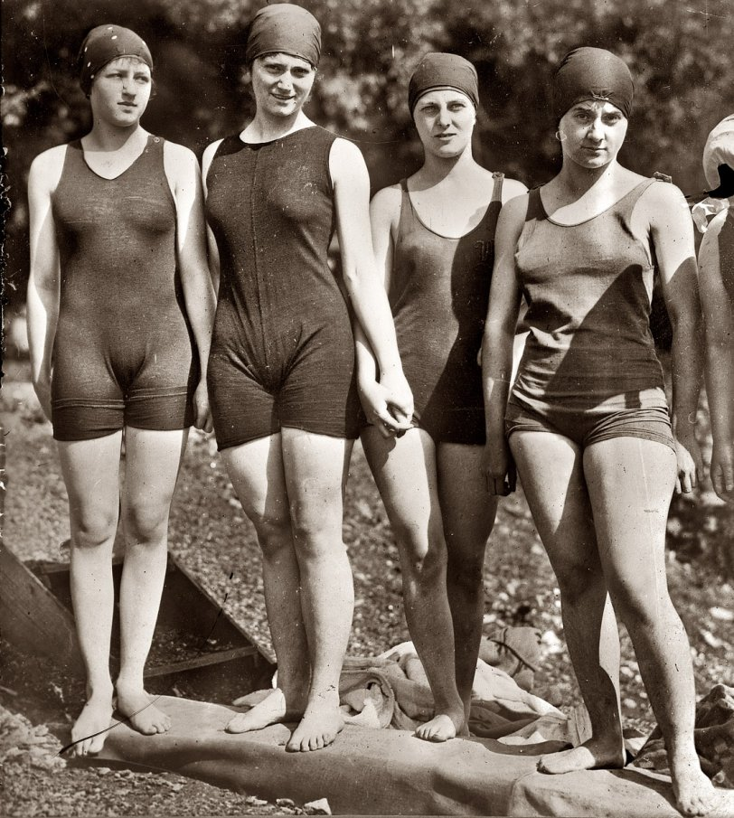 Mermaid Club: 1920
