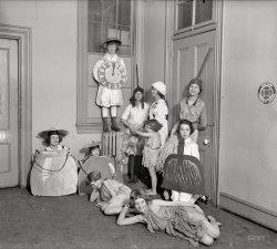 The Kitchen Clock: 1918