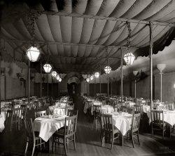 Cafe St. Marks: 1920
