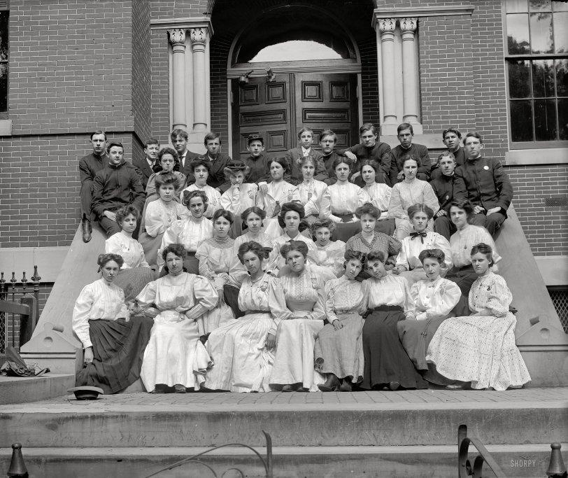 Eastern High: 1910