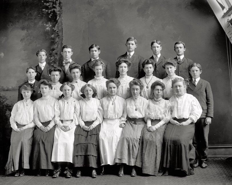 Class Photo: 1905