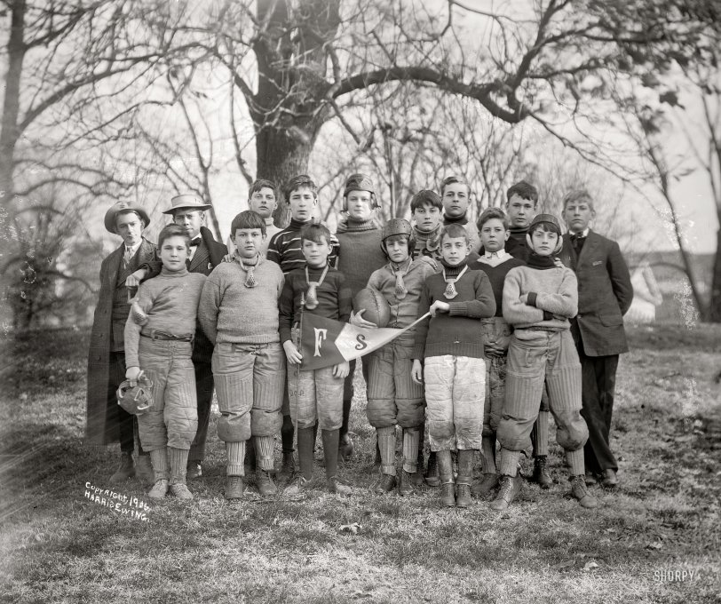 Friends School Football: 1906