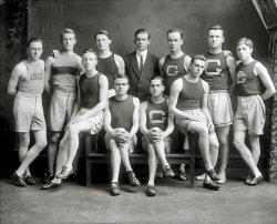 A Fast Crowd: 1910