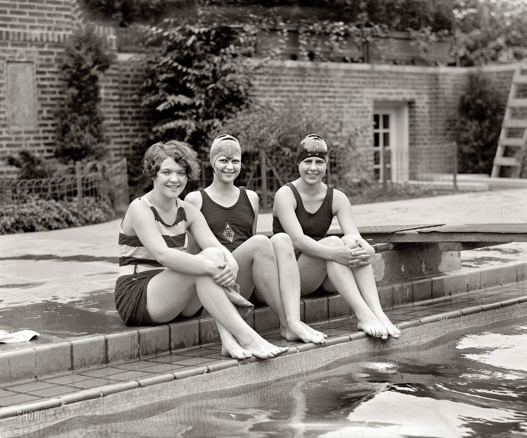 Shorpy Historic Picture Archive :: Peggy, Clytie, Ethel: 1926  high-resolution photo