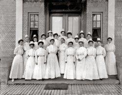 Navy Nurses: 1912